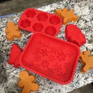 Other - Christmas silicon bakeware set lot bundle